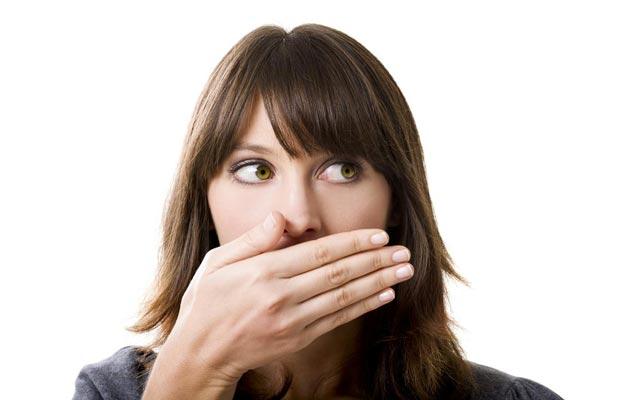 درمان بوی بد دهان ناشی از سینوزیت و ترشحات بینی