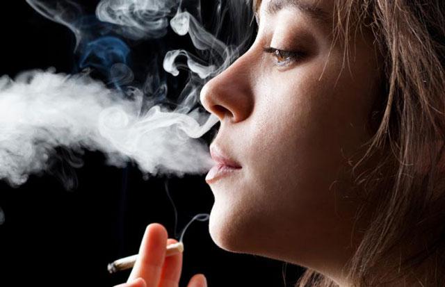 بوی بد دهان و سیگار