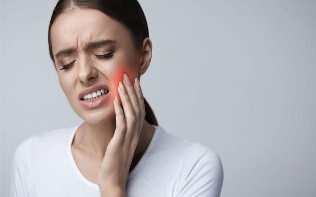 درمان دندان درد عصبی و علت آن