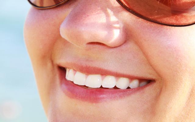 پوسیدگی دندان جلو