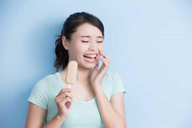 غذاها و نوشیدنیهای سرد، عامل حساسیت دندان