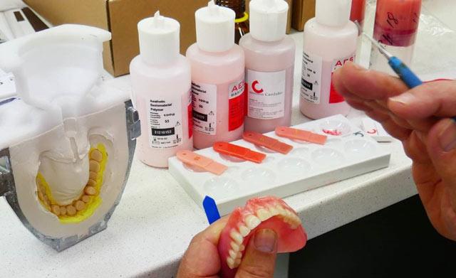 ساخت پروتز دندان