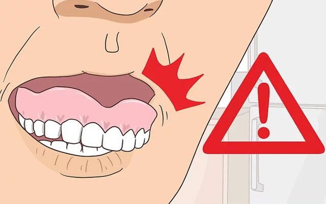 تحلیل لثه و دندان مصنوعی